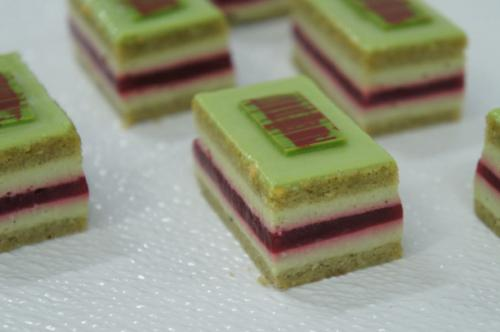 D Pistachio and Reaspberry Slice6