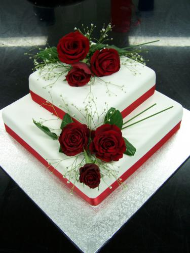 Wedding square with red